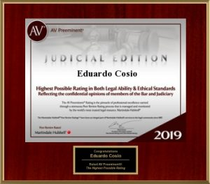 Eduardo Cosio receives Judicial Edition Award